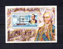 Madagascar   1976  .-  Y&T  Nº   13     Block - Madagascar (1960-...)