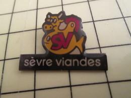 Pin815c Pin's Pins / Rare Et De Belle Qualité  : ANIAMUX / VACHE JAUNE SEVRE VIANDES - Animaux