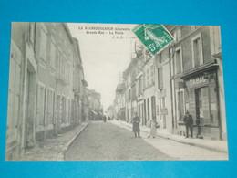 "16 ) La Rochefoucauld - N° 1166 - Grande Rue  - La Poste "" Et Le Tabac ""   : EDIT : JSD - France"