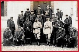 """CPA CARTE-PHOTO Militaria - """"Souvenir Présentation Du Drapeau Avant Le Départ Au Front"""" * Armée Soldats Militaire Guerre - Guerre 1914-18"""