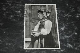 1497   Evolenarde En Costume - Costumes