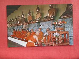 Gallery Of Buddha Statues In Wat Po Bangkok   Thailand    Ref  2879 - Thailand