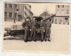 Militaires Devant Canon - Photo Originale Format 8 X 11 Cm - Guerre, Militaire