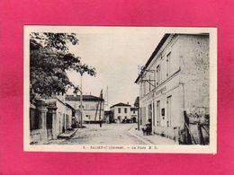 33 Gironde, Salignac, La Poste, Animée, (M. Delboy) - France