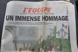 L'EQUIPE Du 14 JUILLET 1998 / MONDIAL DE FOOTBALL / UN IMMENSE HOMMAGE - Periódicos