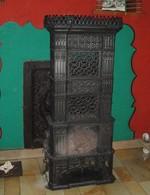 Saint Léger Fourneau à Colonnes Type Gothique -origine Fonderie De Chàtillon Assez Rare - Meubels