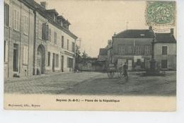 BEYNES - Place De La République - Beynes