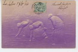 FEMMES - FRAU - LADY - Jolie Carte Fantaisie Gaufrée Femmes LES GLANEUSES D'après MILLET (embossed Postcard) - Femmes