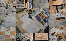 France - Lot D'enveloppes (circulées, Recommandées, Flammes, 1er Jour Etc), Cartes Postales Et Autres Documents - France
