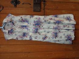 Belle Robe Nylon A Plis Epaule A Epaule 44 Haut Totale 111cm - 1940-1970