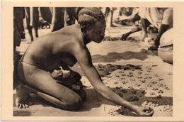 OUBANGUI CHARI - Afrique Equatoiale Française -Femme Nue Au Marché De Bangui - Photo René Moreau   (103192) - Ciad