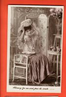 GBM-20  Sainte-Catherine, Jeune Femme Assise Mettant La Coiffe. Précurseur. Circulé - Sainte-Catherine