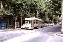 Photo Diapo Diapositive Train Tram Tramway De Marseille Citroën 2CV En 1972 VOIR ZOOM - Diapositives