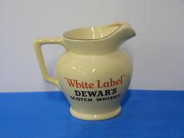 "Pichet ""WHITE LABEL"" DEWAR'S Scotch Whisky - Jugs"