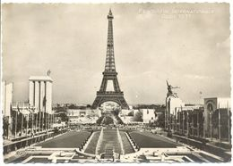 France - Paris - La Tour Eiffel - Vue D'Ensemble Prise Du Trocadéro * Chipault Nº 1035 - Dentelée, écrite - 5416 - Tour Eiffel