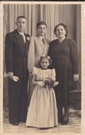PHOTO----En Famille--voir  2 Scans - Personnes Anonymes