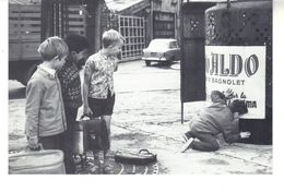 """CPM -  Exposition """"C'était Paris Les Années 50"""". Le Chemin Des écoliers, 1959. - France"""