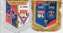 Lot De 2 Fanions Du Match PSG / LYON  Finale Coupe De La Ligue 2014 - Habillement, Souvenirs & Autres