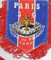 PARIS SG  Vainqueur Coupe De France 1982 - Habillement, Souvenirs & Autres
