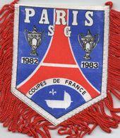 PARIS SG  Vainqueur Coupes De France 1982 Et 1983 - Habillement, Souvenirs & Autres