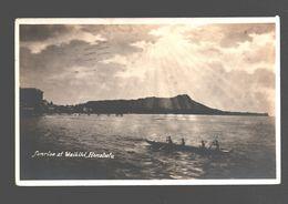 Honolulu - Sunrise At Waikiki - Photo Card - Rowing Boat - Honolulu