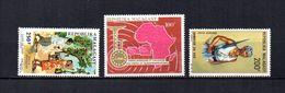 Madagascar   1966-67   .-   Y&T Nº   100-102-103     Aéreos    (  *   S/goma  ) - Madagascar (1960-...)
