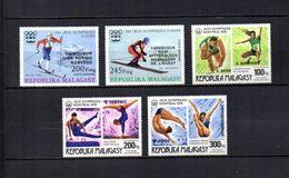 Madagascar   1977   .-   Y&T Nº   172/173-174/176     Aéreos    (  *   S/goma  ) - Madagascar (1960-...)