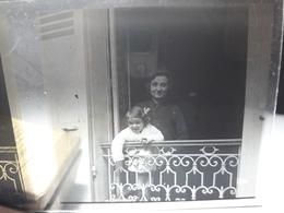69 - Plaque De Verre -  Scène De Vie - Famille - Enfant - Glasplaten