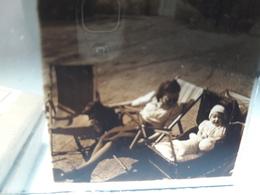 """71 - Plaque De Verre -  Scène De Vie - Famille - Enfant """" Landeau"""" - Glasplaten"""