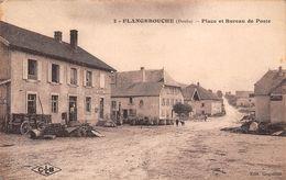 25 - Flangebouche - Place Animée - Bureau De Poste - Autres Communes