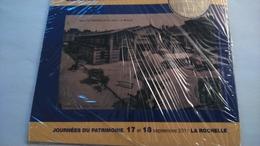 17 LA ROCHELLE ENCART MAISON HENRY II + HALLES MONNAIE DE PARIS ENCART MÉDAILLE JETON..........N°065/250 - Monnaie De Paris