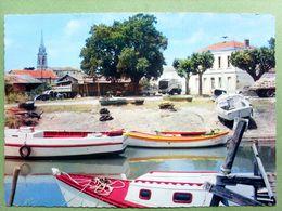 33 ,le Verdon Sur Mer ,le Port En 1972...circulée Timbrée ......cpsm...gf - Other Municipalities