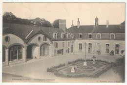 41 - CHITENAY - La Cour Des Communs - Edition Pothée - 1910 - Otros Municipios