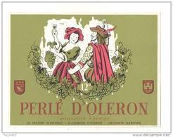 Etiquettes De Vin  -      Perlé D'Oléron  -  Cellier Oléronais  à  St Georges D'Oléron  (17)  - Thème Couple - Coppie