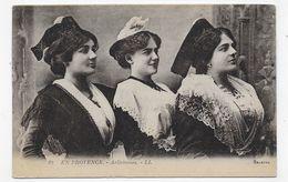 (RECTO / VERSO) ARLES EN 1923 - N° 29 - ARLESIENNES - CPA VOYAGEE - Arles