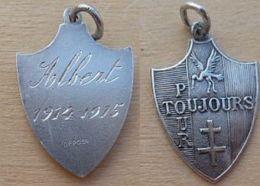 NM-429Médaille Religieuse En Ag Militaire Gravée Au Dos Albert (1914-1915) - Godsdienst & Esoterisme