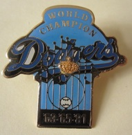 DODGERS Baseball WORLD CHAMPION Pin - Button Badge Lapel 1987 Stadium - Baseball