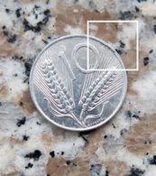 *MONETA DA 10 LIRE DEL 1982 REPUBBLICA ITALIANA CON DIFETTO - - 1946-… : República