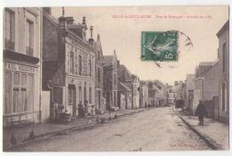 (72) 087, Sillé Le Guillaume, Besnardeau, Rue De Bretagne, Arrivée En Ville, Voyagée En 1910, TB - Sille Le Guillaume