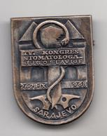 CONGRESS  STOMATOLOGIST , DENTIST , SARAJEVO , BOSNIA 1968 , 34mm  X 25mm - Medici