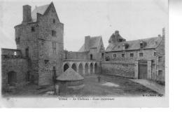 VITRE  La Château Cour Intérieure - Vitre