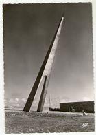 CPSM   76   ETRETAT       MONUMENT NUNGESSER ET COLI - Etretat