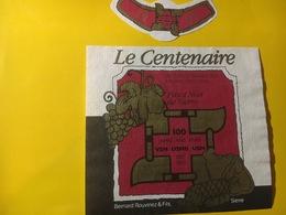 7972 - Le Centenaire De L'Uninion Suisse Des Maîtres Bouchers Pinot Noir De Sierre 1985 Suisse - Etiquettes