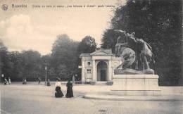 """BRUXELLES - Entrée Du Bois Et Statue """"Les Lutteurs à Cheval"""" - Bossen, Parken, Tuinen"""