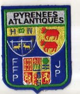 Ecusson Tissu Feutrine Brodee Pyrenees Atlantiques FFP JP, Format 10x8 Cm - Ecussons Tissu
