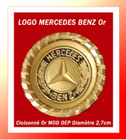 SUPER PIN'S MERCEDES : LOGO Peu COURANT, Support Or Cloisonné Et Relièf, Signé MOD DEP, Diamètre 2,7cm - Mercedes