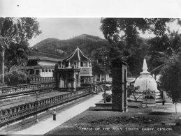 SRI-LANKA (Ceylon) -  Temple Of The Holy Tooth, Kandy -  RPPC - Sri Lanka (Ceylon)