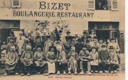 H77 - 01 - VIRIAT - Ain - Banquet Bressan Devant La Boulangerie-restaurant BIZET - France