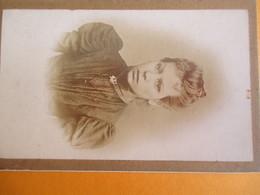 Photographie Ancienne Montée Sur Carton/Jeune Femme En Buste/ H Lemaire/Etave & Bocquiaux/Aisne/Vers 1890-1900  PHOTN297 - Anciennes (Av. 1900)