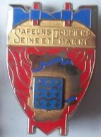 INSIGNE POMPIERS  DE SEINE ET MARNE - Firemen